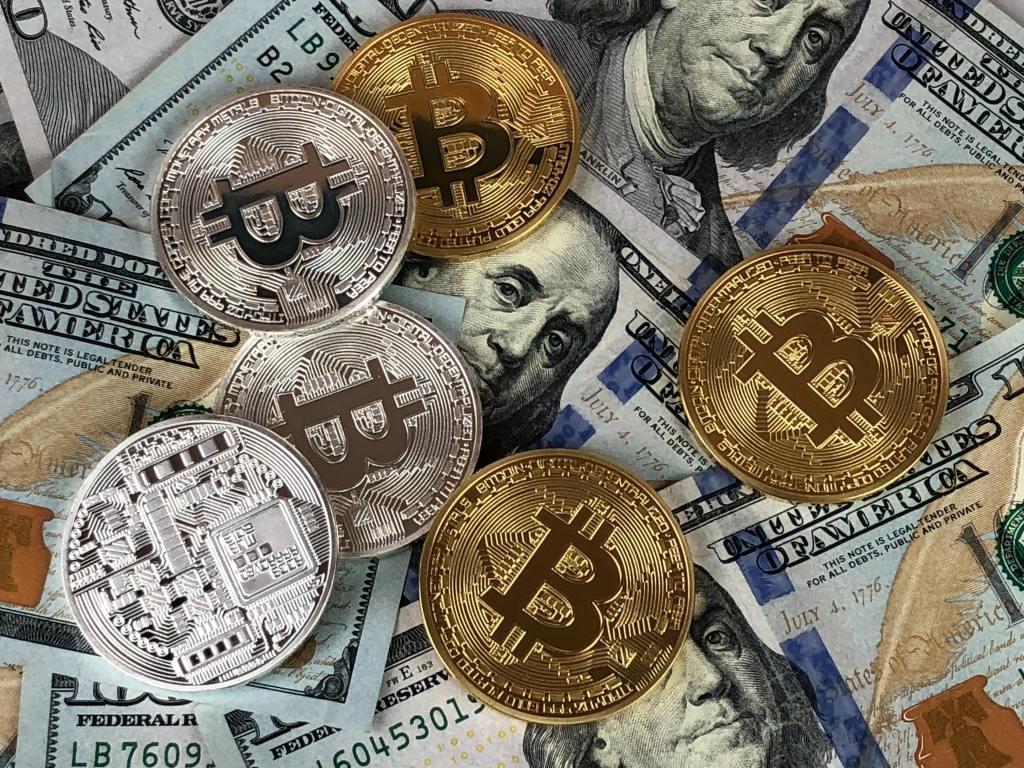 Chứng khoán, tiền ảo - Cơ hội mới cho nhà đầu tư - Remitano