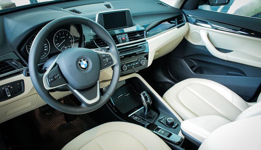 Khoang lái xe BMW X1