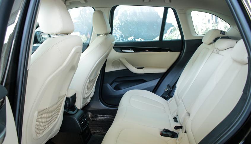 Khoang hành khách xe BMW X1