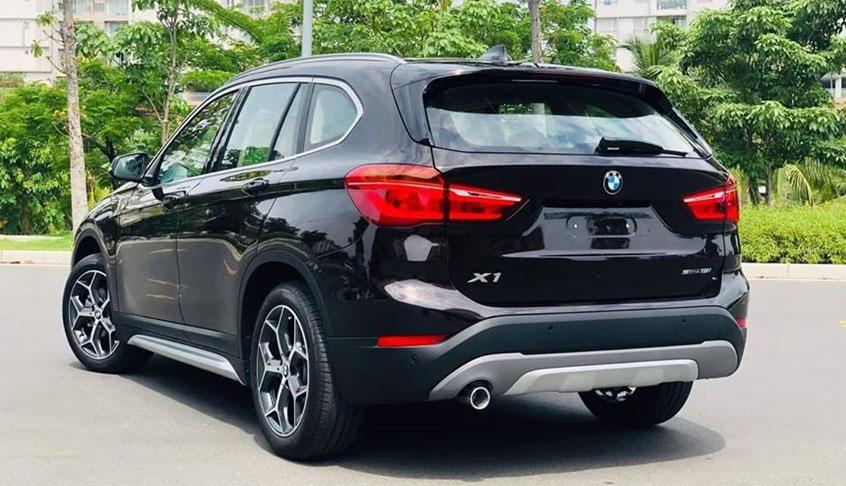 Đuôi xe BMW X1